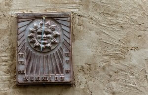sundial-229005_640